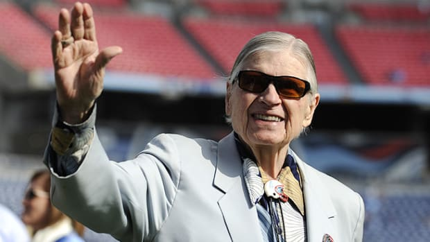 131021135508-bud-adams-dies-tennessee-titans-single-image-cut.jpg