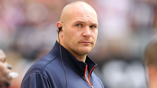 130219120149-brian-urlacher-single-image-cut.jpg