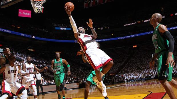 Heat defeat Celtics