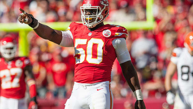 131106170921-nfl-award-watch-justin-houston-kansas-city-chiefs-single-image-cut.jpg