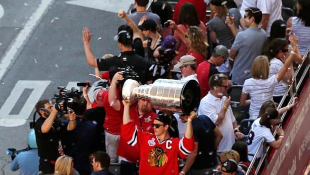 130628144022-blackhawks-cup-parade-single-image-cut.jpg