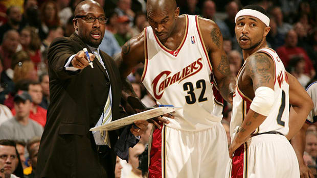130423160110-mike-brown-cleveland-cavaliers-nearing-deal-single-image-cut.jpg
