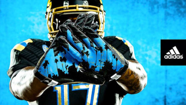 ucla-la-midnight-jersey-gloves-washington.jpg