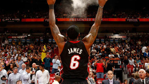 131002144927-lebron-james-powder-single-image-cut.jpg