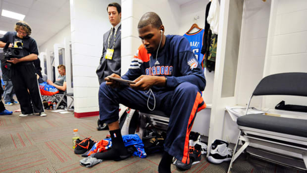 kevin-durant-cell.jpg