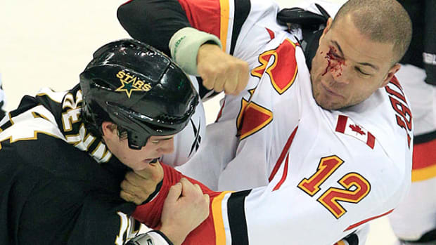 130328144508-jarome-iginla-fight-single-image-cut.jpg