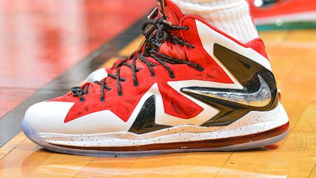 lebron-james-nba-playoffs-2013-sneakers.jpg
