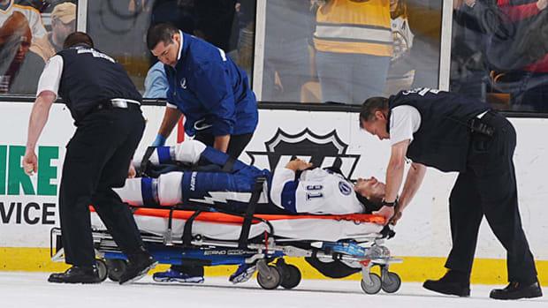 steven-stamkos-stretcher.jpg
