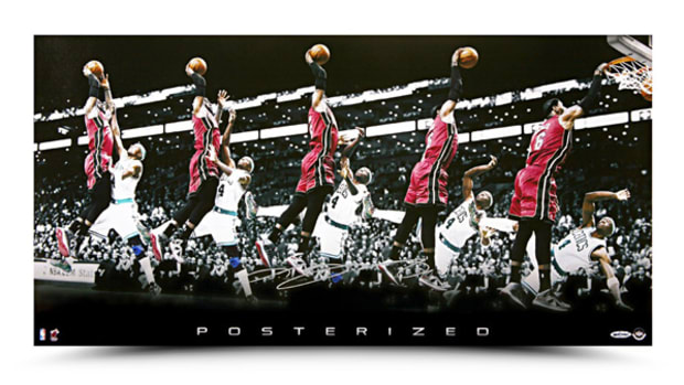 lebron-james-dunk-jason-terry-81406.jpg