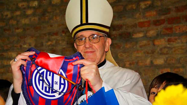 130314152928-pope-francis-soccer-single-image-cut.jpg