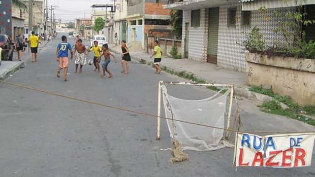 130418211334-brazil-pickup-soccer-single-image-cut.jpg