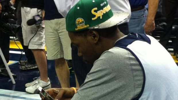 kevin-durant-sonics-hat.jpg