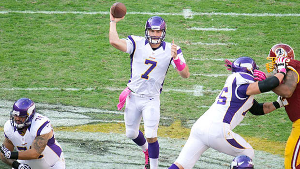 minnesota-vikings-nfl-training-camp-christian-ponder.jpg