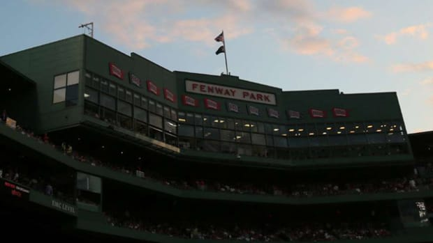 130405194939-fenwaypark-040513-single-image-cut.jpg