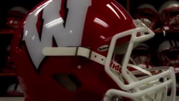 wisconsin-badgers-new-helmet1.jpg