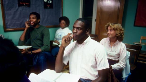 1983-Michael-Jordan-Sam-Perkins-080100626.jpg