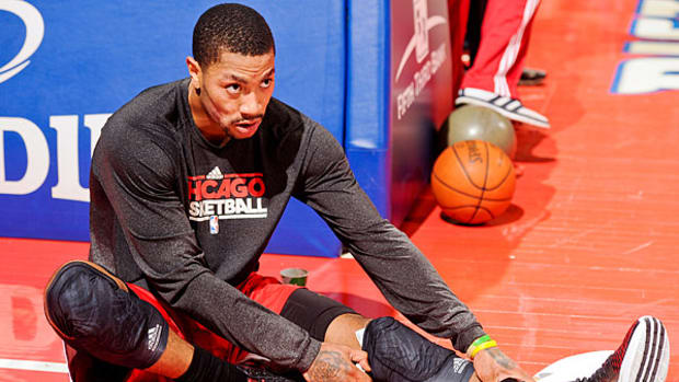 derrick-rose-stretch.jpg