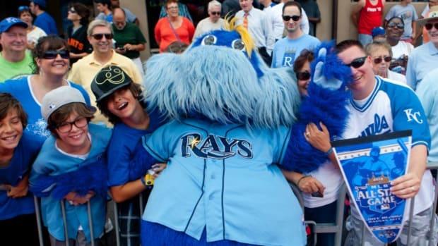 raymond-rays-mascot.jpg
