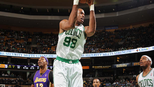 130429125534-jason-collins-boston-celtics-single-image-cut.jpg