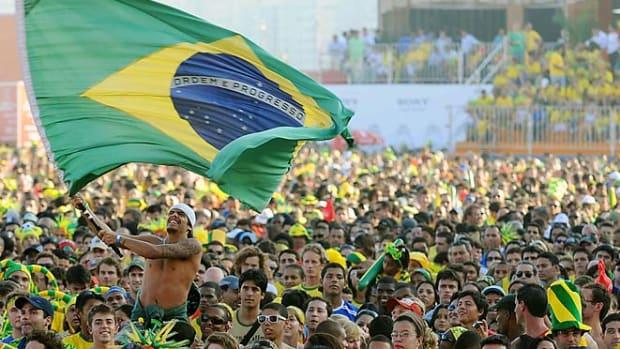 130304140740-brazil-world-cup-fans-single-image-cut.jpg
