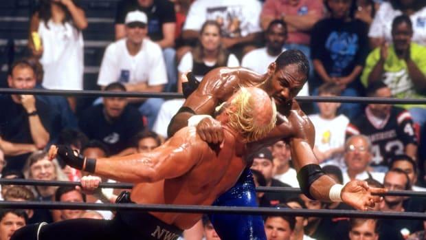 1998-Karl-Malone-Hulk-Hogan-05801512.jpg