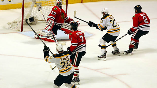 bruins-blackhawks-game-2-paille.jpg