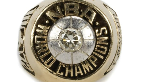 elgin-baylor-championship-ring.jpg