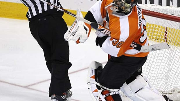 130411172720-ilya-bryzgalov-throws-single-image-cut.jpg