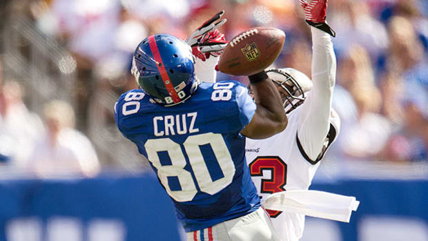 victor-cruz-deal-new-york-giants.jpg