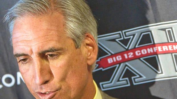 oliver-luck-texas-longhorns-athletic-director.jpg