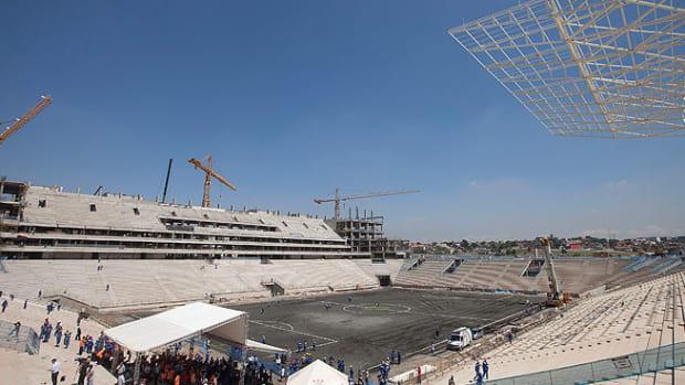 130507190723-sao-paulo-stadium-single-image-cut.jpg