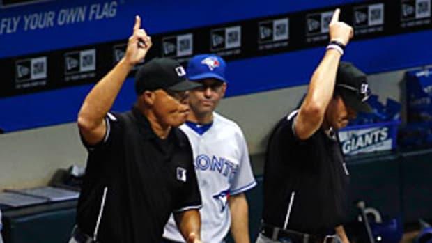 umpires-reuters2.jpg