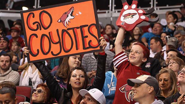 coyotes-fans.jpg