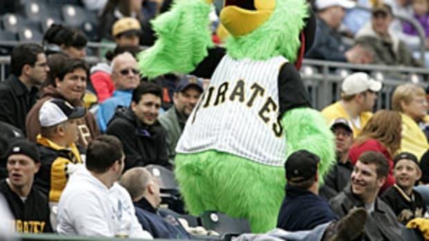 pirates-mascot.jpg