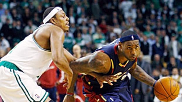 paul-pierce.lebron-james.jpg