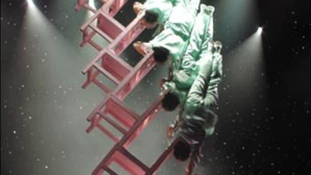 p1_acrobats.jpg