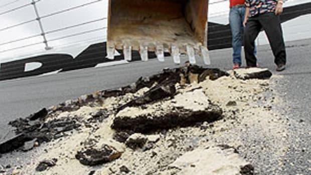 Daytona-pothole.jpg