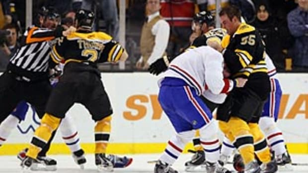 bruins-canadiens.brawl.jpg
