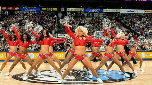 mavs-dancers%2801%29.jpg