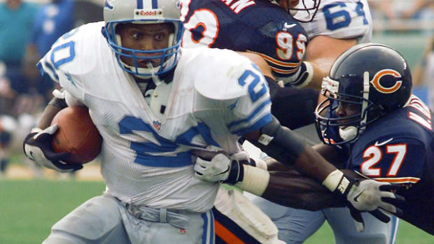 Barry Sanders: 2,053 yards