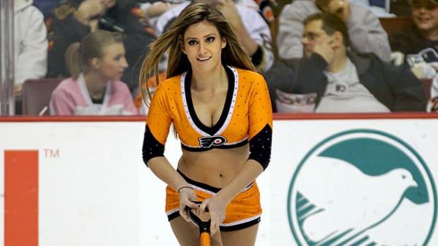 flyers-ice-girl%2811%29.jpg