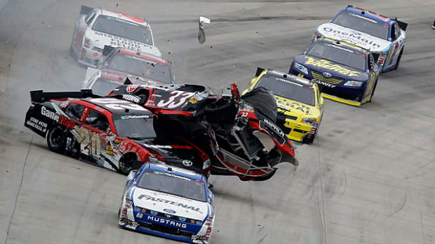 Joey-Logano-crash.jpg