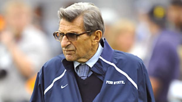 joe-paterno-retires-p1.jpg