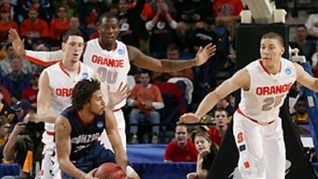 Syracuse-defense.jpg