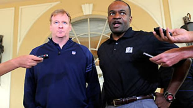 roger-goodell-demaurice-smith-lockout-lessons.jpg