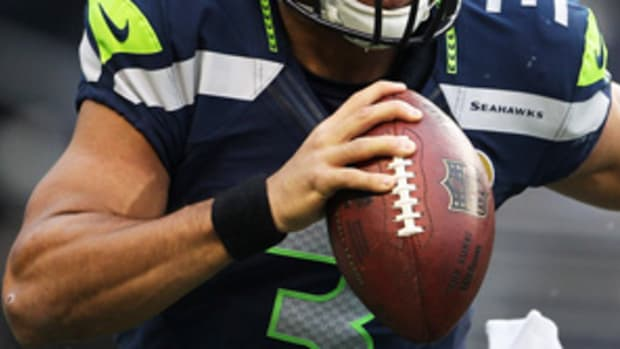 121211173953-russell-wilson-t2-single-image-cut.jpg