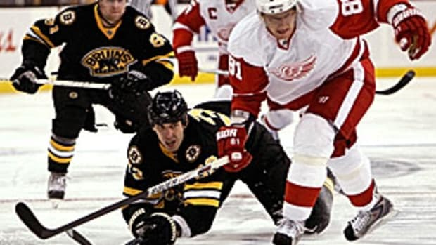 bruins-redwings.jpg