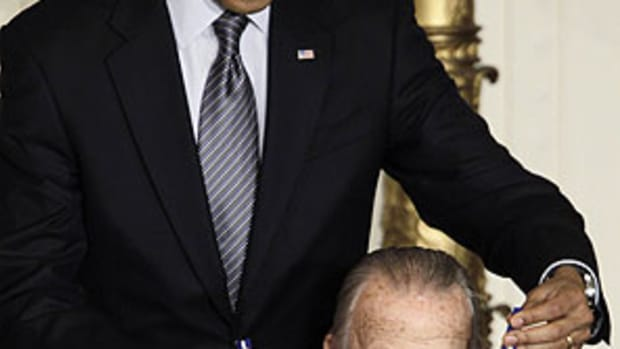 musial-obama-ap2.jpg