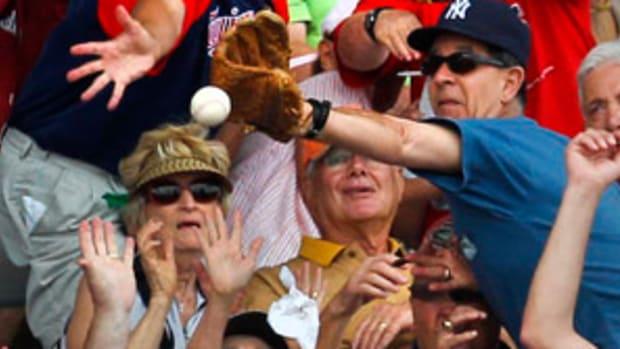fans-baseball.jpg
