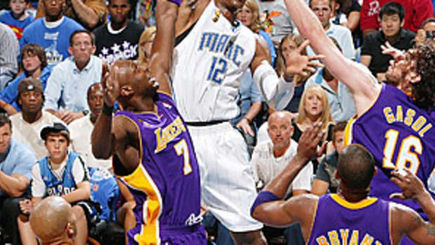 dwight-howard-lakers.jpg